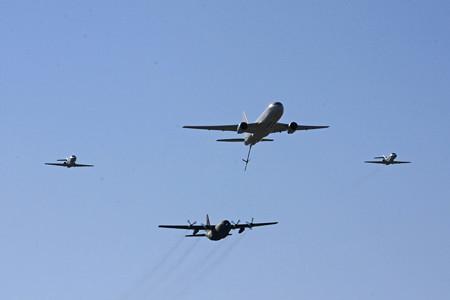 KC-767 C-130H U-125A による異機種編隊飛行 IMG_9119_2