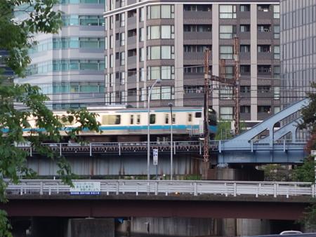 JR根岸線 (横浜市中区野毛町)