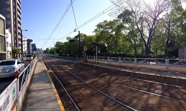 広島電鉄 比治山下電停 宇品方向 広島市南区比治山本町 比治山通り