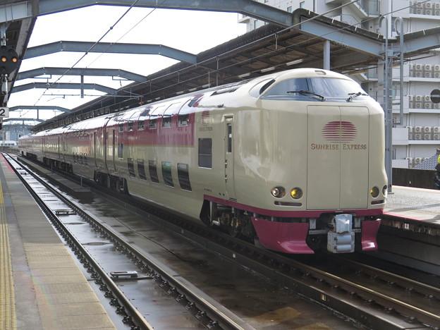 東京発の夜行電車 降りたときから 出雲市駅は・・・