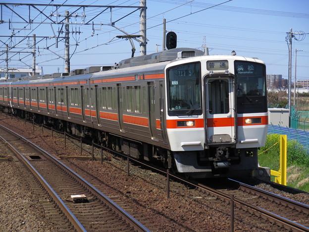 【鉄道写真あるある】 311系の普通列車だから4両編成だ! って思...