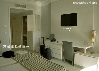 ホテルの部屋の中