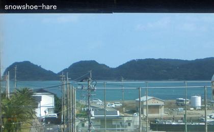 海の色が日本っぽくない