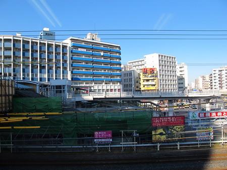 東神奈川駅構内3