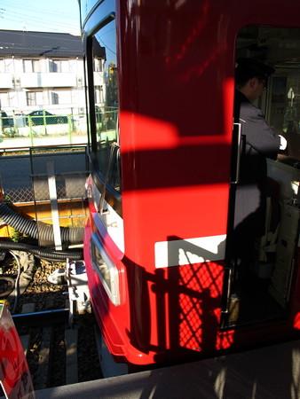 工事中の小島新田駅5