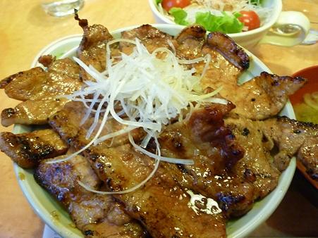 定番の豚丼