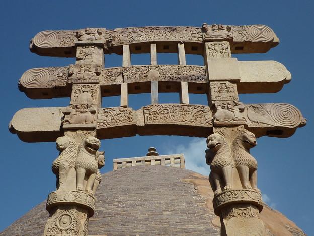 第1塔南塔門彫刻 The southern torana at the Great Stupa