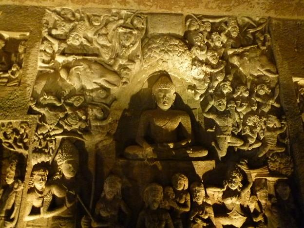 アジャンター洞窟彫刻 Enriched with carvings,Ajanta