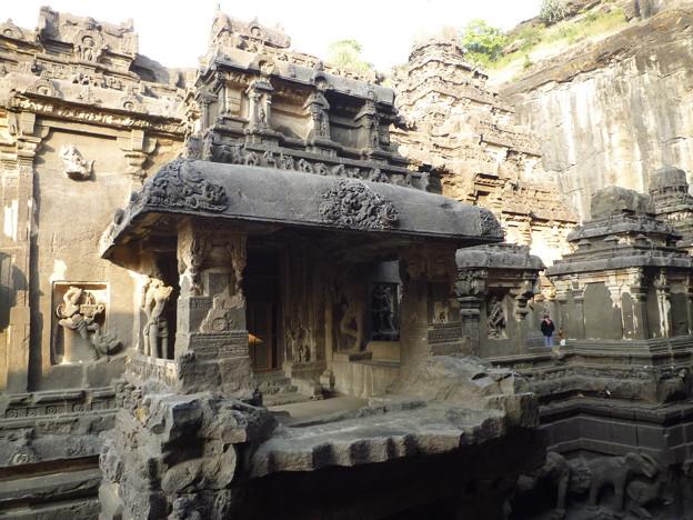 塔門の裏側 Rear view of the temple gate
