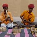 Photos: アンベール城蛇使いDiminishing cobra  charmers in India   *ひょうたんの奏でる笛に誘われて籠のコブラは首をもたげぬ