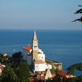 写真: トリエステ湾と教会  Gulf of Trieste & St. George's Parish Church  2/12~2/29スリランカ旅行のため不在です
