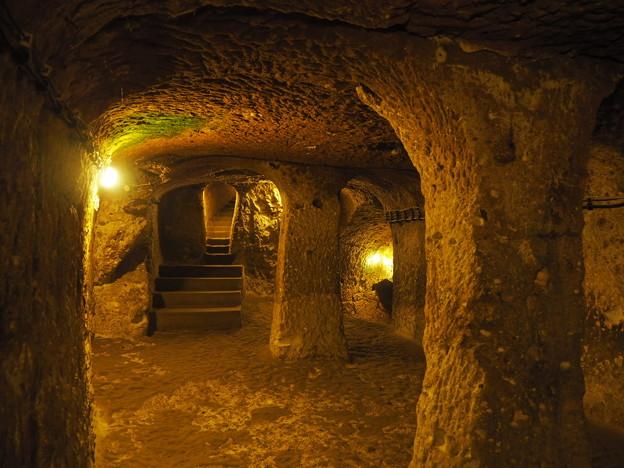 カッパドキア地下都市 Passage in the Underground City