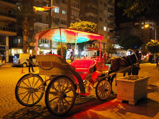 馬車の走る古都 Horse-Drawn Carriage in Bergama