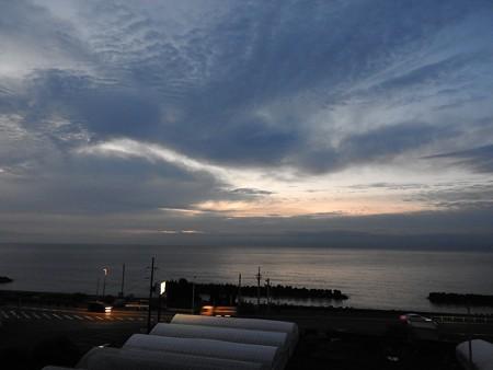 駿河湾の朝日01