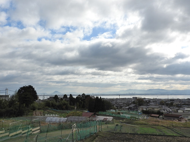 西教寺への途上1 近江富士遠望