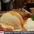 写真: バニラアイスとパンナコッタとキャラメルソース