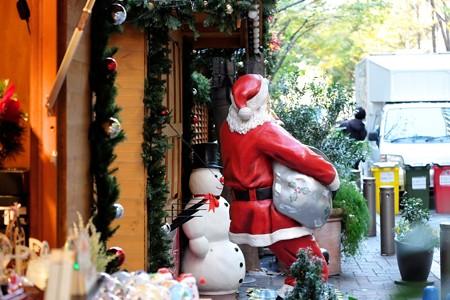 2015.12.04 丸の内仲通り Marunouchi Christmas Market.jpg 飾-3
