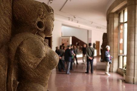 2010.02.05 デリー 国立近代美術館 仏像-08
