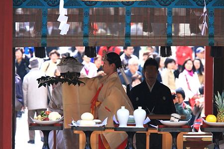 2010.03.19 鎌倉八幡宮 巫女神楽を奏す