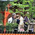 写真: 2010.04.30 祇園 白川巽橋 行き交い