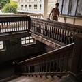 タイ国鉄の建物に残る古い階段