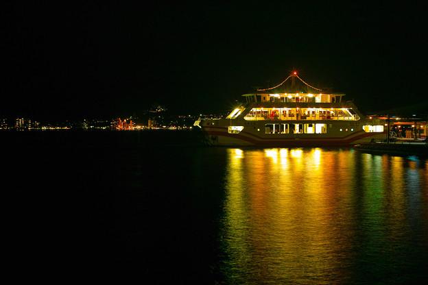 夜の宮島フェリー