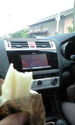 写真: 鋼FA観ながらちまきを食べる5月の長崎