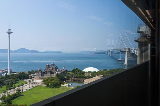 車窓から瀬戸大橋