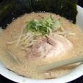 写真: とんこつしょうゆ・細麺@がむしゃら・駒ヶ根市