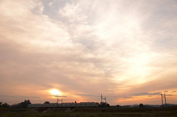 Photos: 夕暮れの東武宇都宮線