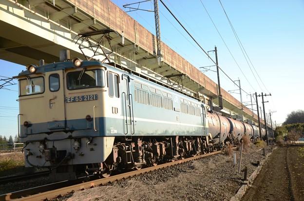 写真: EF65 2121+タキ7B 石油専用貨物8685レ 宇都宮貨物(タ) 到着