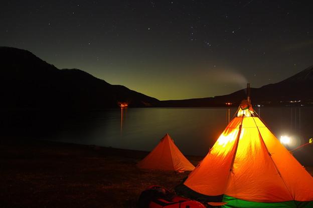夜のテント