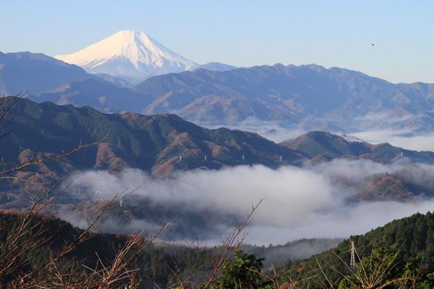 写真: 091206-10高尾山~陣馬山縦走・山頂からの富士山
