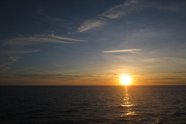 夕陽下的海洋
