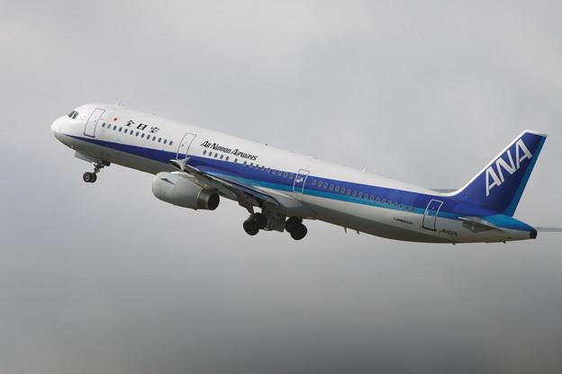 A321 JA102A 全日空 [NH] CTS 2006.10