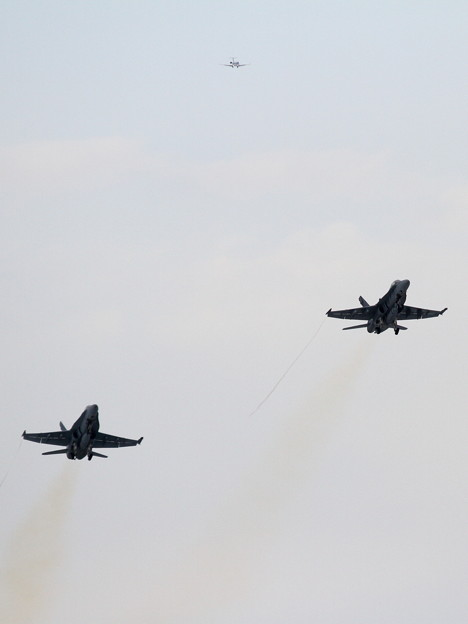 FA18D formation takeoff