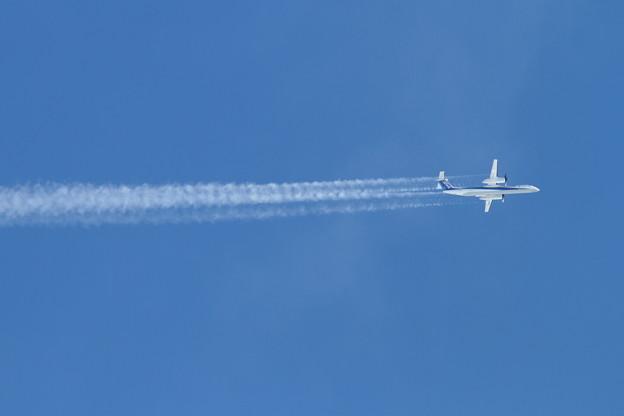 Q400のヒコーキ雲