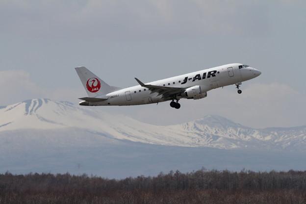 ERJ-170 JA222J takeoff climb
