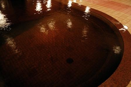 紅茶色したモール泉