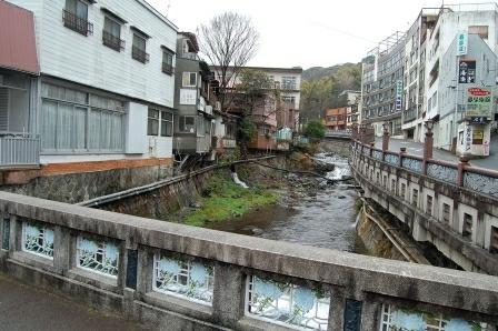藤木橋から千歳川を望む