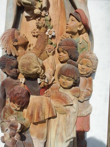 聖母子像 下の部分