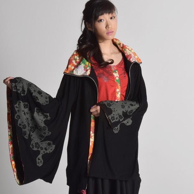 写真: gouk 蝋梅柄着物袖羽織(14,040円)