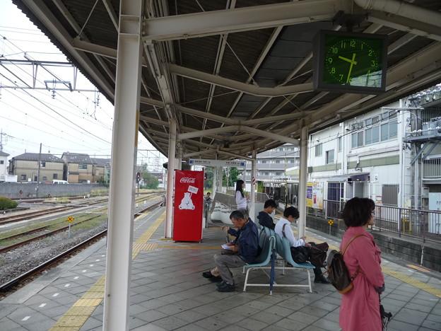 白糸台駅ホーム