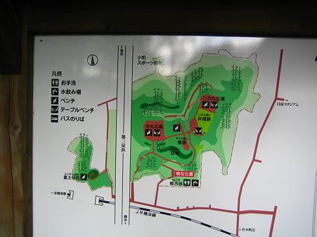 小机城の縄張図