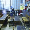 写真: レトロな分校風の教室