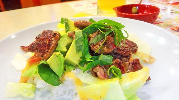 ガスト ( 成増店 ) ステーキ・サラダ・ご飯