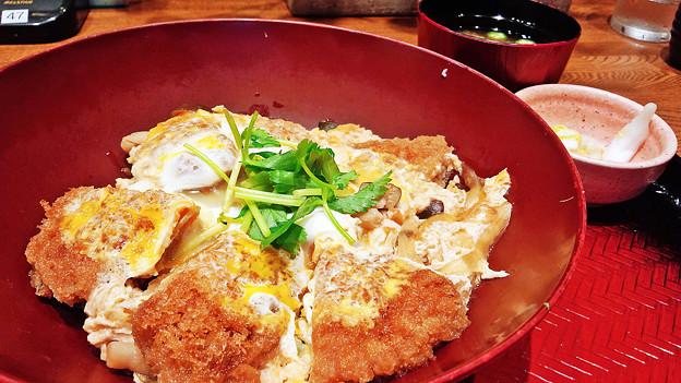 大戸屋 ( 成増 )  四元豚ヒレかつの玉子とじご飯                  2016/05/06