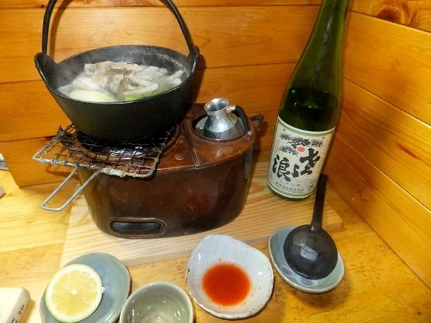 ふぐ鍋と燗銅壺