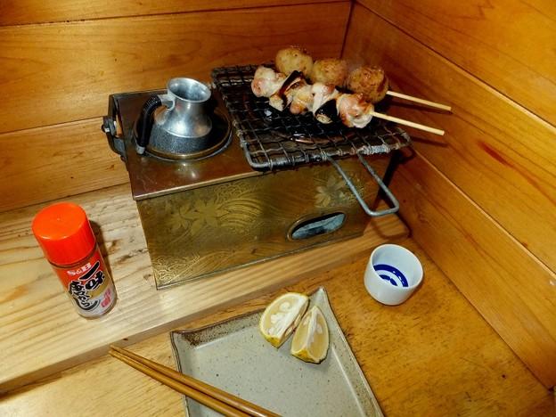 秋の燗銅壺で焼き鳥