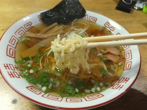 写真: ちぢれ麺 スープがよくからみます